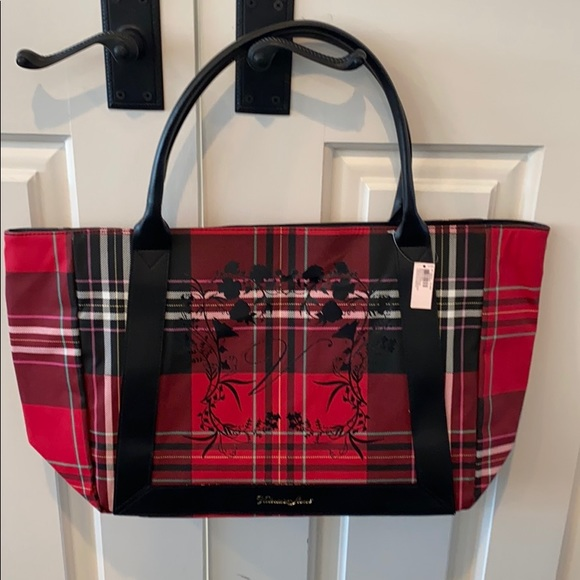 ✨FREE WITH $40 PURCHASE✨ Victoria Secret tote bag